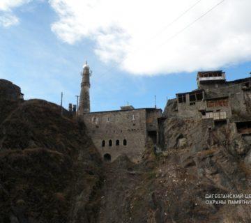 С. Тинди, мечеть с минаретом