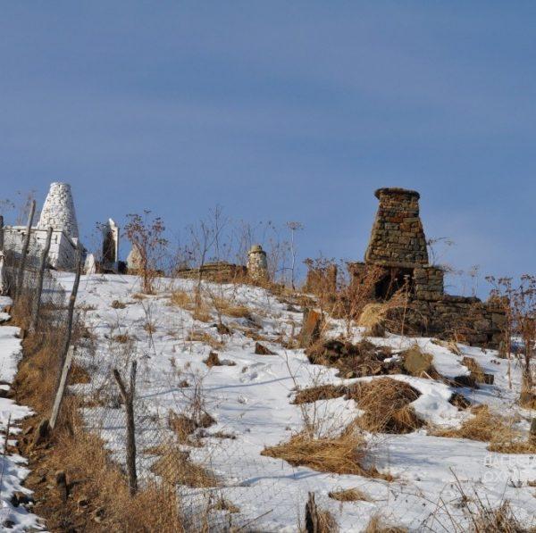 Надгробия с куфическими надписями