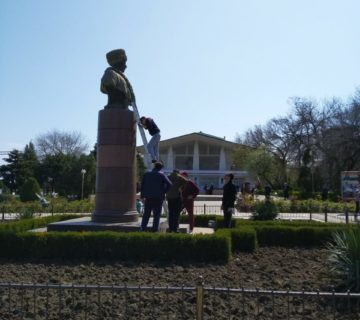 Субботник на территории объектов культурного наследия провели сотрудники Дагнаследия